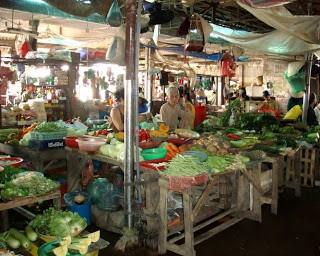 Market Shopping in Vietnam